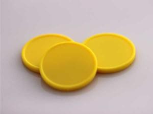 Plastová kolečka (žetony) žluté