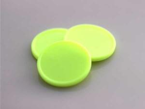 Plastová kolečka (žetony) žluté svítívé