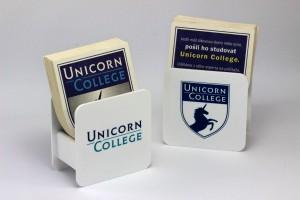 Stojánky na tácky - Unicorn College