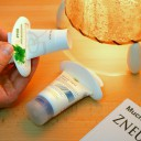 Vytlačovače na zubní pasty a krémy