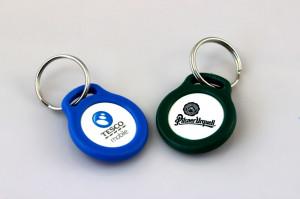 Klíčenka s potiskem žetonu - Tesco mobile, Pilsner Urquell
